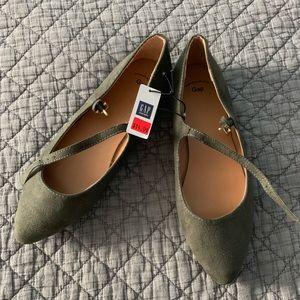 GAP Shoes - Olive green GAP flats